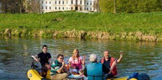 Cruise through the historic centre of Olomouc on an engine-powered raft